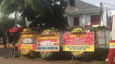 Memaknai Karangan Bunga bagi Prabowo dan Jokowi