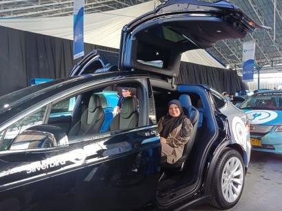 Blue Bird Group Peroleh MURI Atas Pengadaan Taksi Listrik Pertama