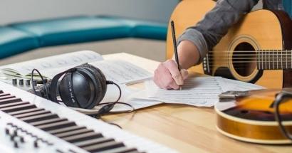 Cara Menulis dan Membuat Lagu Ciptaan Sendiri