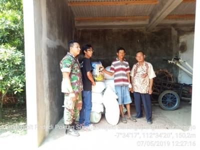 Koramil 0815/11 Pungging bersama BPP Distribusikan Benih Padi Bantuan