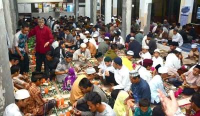 Buka Gratis Kian Jadi Tradisi di Masjid Kota Malang