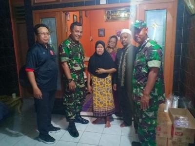 Danramil 03/GP Ucapkan Duka Cita Saat Takziah Almarhum Bapak Mertua Serda Yitno