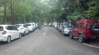 Sulitnya Mencari Parkiran Mobil di Kampus