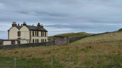 "Flannan Isles di Tahun 1900, Menguak Misteri yang Menginspirasi Film ""The Vanishing"""