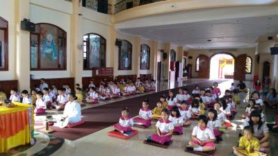 Momen Waisak, Momen Belajar Puja Bhakti