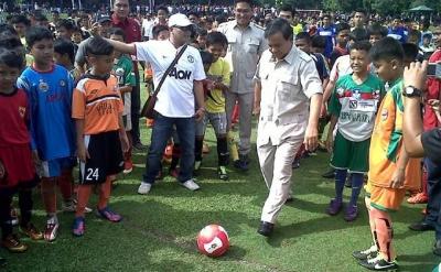 Belajarlah pada Permainan Sepak Bola, Pak Prabowo