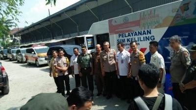Lihat Yuk! Pedulinya Tiga Pilar Jakarta Timur Berbagi Dengan Masyarakat