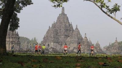 7.500 Pelari dari 9 Negara Turut Mencecap Indahnya Candi Prambanan dan Plaosan dalam Mandiri Jogja Marathon 2019