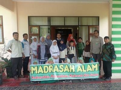 Perluas Wawasan Konservasi Siswa Tergabung Madrasah Alam Lakukan Kunjungan ke BP2LHK Manado