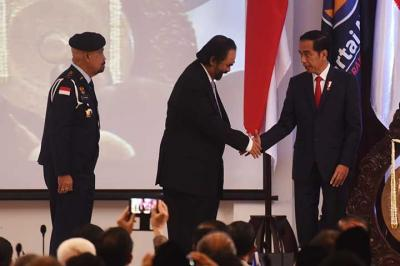 Asumsi Penulis: 2024 Jokowi Akan Jadi Ketua Umum Partai NasDem