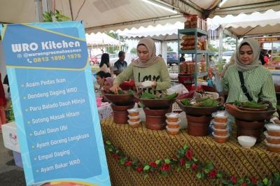 Ramadan, Tatyana Mendadak Jadi Pengusaha Bazar Kuliner