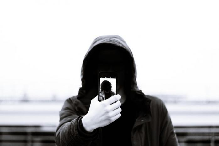 Smartphone serta Sindrom Paling Benar dan Paling Pintar