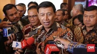 Sudah Tepatkah Wiranto Blokir WA dan Medsos?