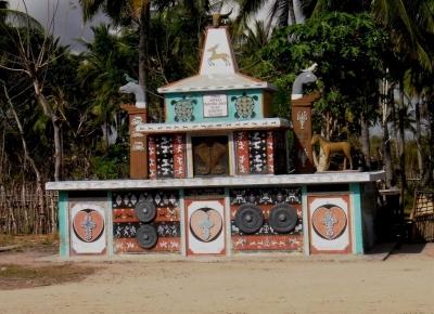 Perbedaan Proses Penguburan Raja di Sumba Timur dengan Masyarakat Biasa