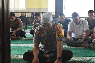 Kapolres Sidrap Turut Duka Atas Meninggalnya Ustaz Arifin Ilham
