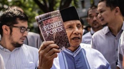 "Amien Rais yang Belum Baca Buku ""Jokowi People Power"""