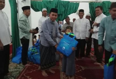 OOTD Lelaki Masih Enggan Bersarung Ketika ke Masjid