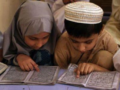 Apakah Mengajarkan Hafalan Al-Qur'an Pada Anak Adalah Sebuah Keharusan?