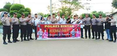 Polres Bintan Dan Himpunan Melayu Raya Bagikan Takjil