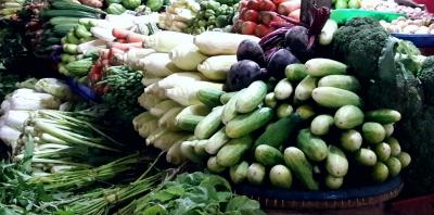 Belanja di Pasar Tebet, Dapat Angpau dan Ayam Gratis
