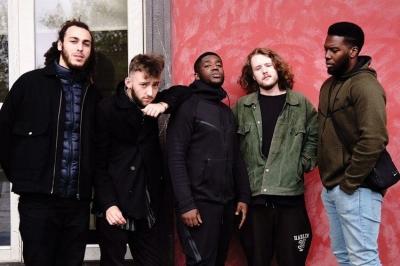 """""""You Can't Steal My Joy"""" dari Ezra Collective adalah Album Jazz dari Anak Muda untuk yang Berjiwa Muda"""
