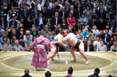 Diplomasi Sumo untuk Trump yang Berkunjung ke Jepang