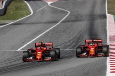 """""""Sambat"""" bersama Ferrari"""