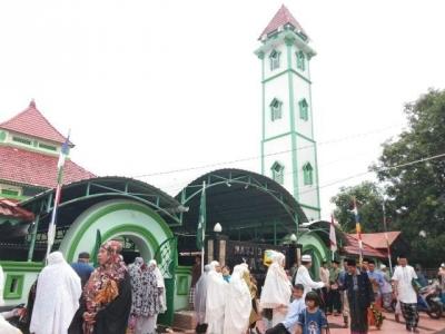 Masjid Tompong Tak Mampu Menampung Kemenangan