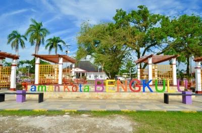 Intip Wajah Baru Taman Kota Bengkulu, Dihiasi Warna-warni Ceria Agar Semakin Seru