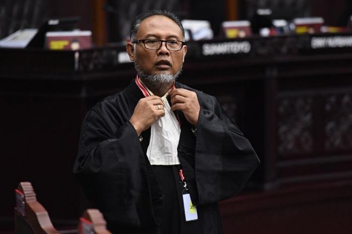 Sajian Bukti dan Keterangan Saksi, Andalan Terakhir Tim Prabowo-Sandi