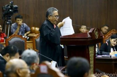 Aksi Memukau Tim Hukum Jokowi Redam Tuduhan Samarkan Dana Kampanye
