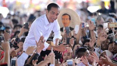 Jokowi Ulang Tahun Hari Ini, Ya Biar Saja