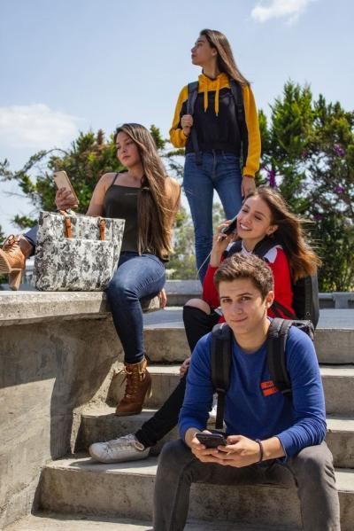 Keluarga dan Efikasi Diri Remaja