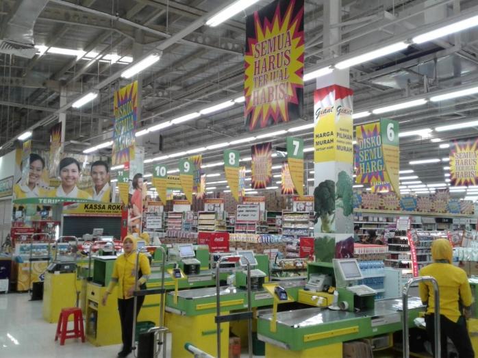 Supermarket Giant Tutup, Asa Karyawan Jangan Sampai