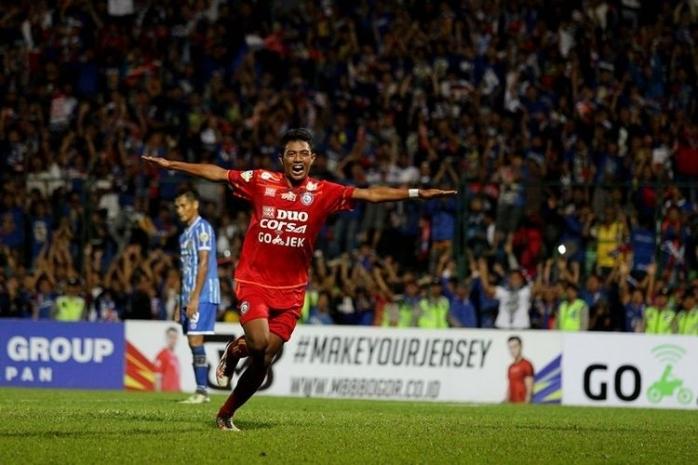 Perjuangan Dedik Setiawan di Tengah Penyerang Asing Liga 1 2019
