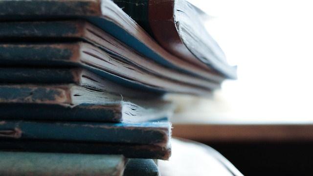 Merengkuh Fakta Sejarah Melalui Literasi