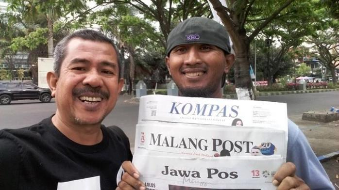 Loper Koran Masih Ada, Menjaja Kata di Antara Debu Kota