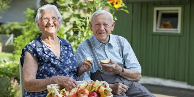 Tetap Sehat dan Panjang Umur Hingga Usia 100-an Tahun ala Warga