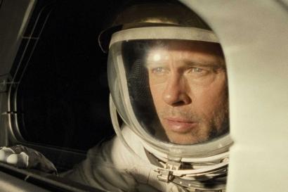 """Review """"Ad Astra"""", Perjalanan Pria Kesepian dalam CGI yang memukau"""