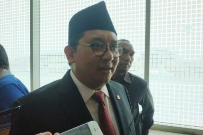 """Benarkah """"Tugas Khusus"""" Fadli Zon adalah Menjadi Menteri di Kabinet Jokowi?"""