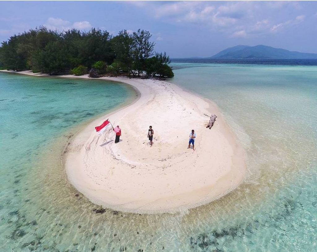 10 Pantai Kepingan Surga di Jepara