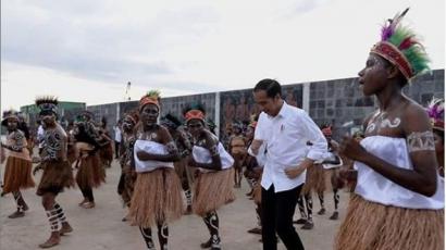 Kesan Kunjungan Kerja Perdana Jokowi di 2 Periode, di Barat & Timur Indonesia