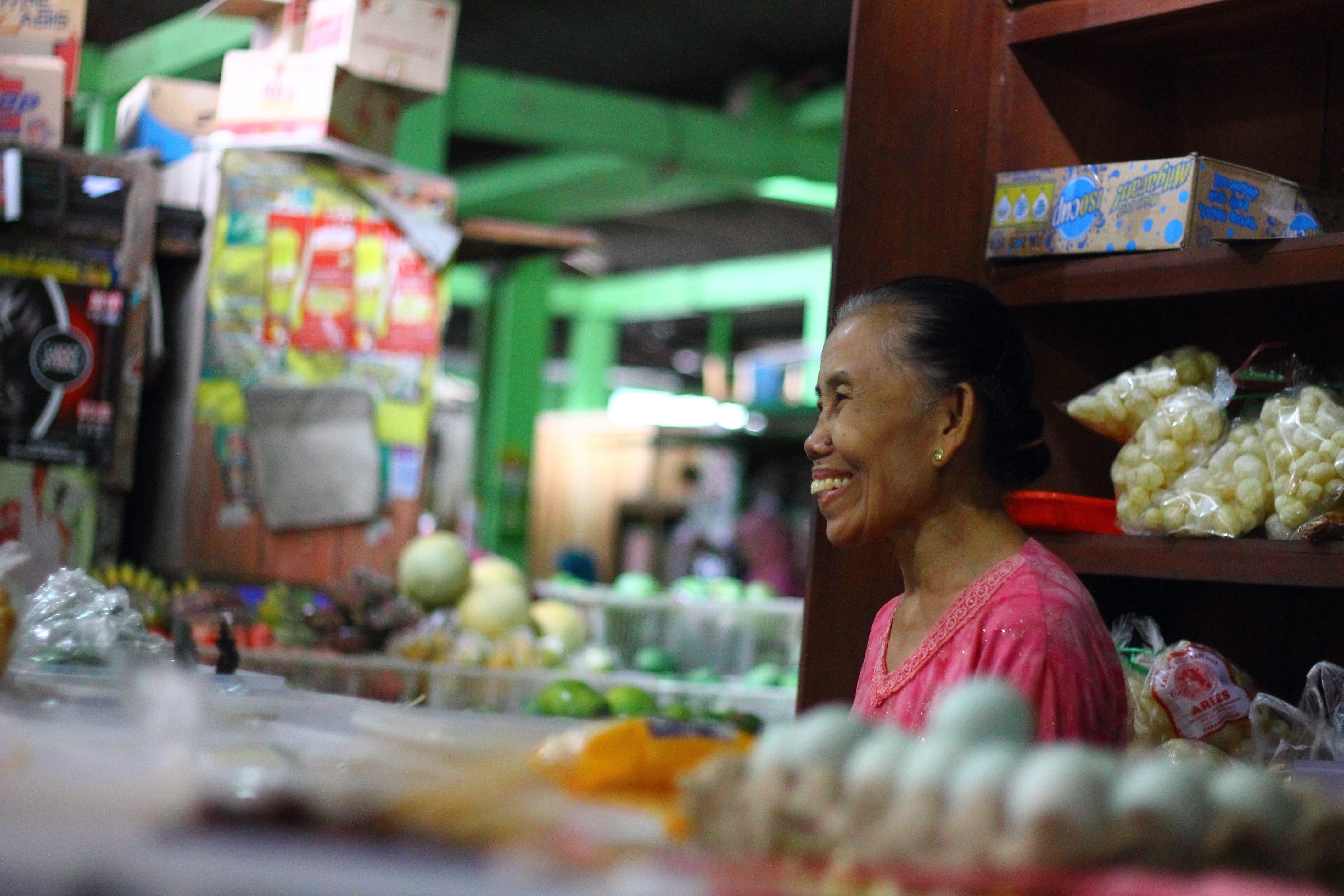 Penjual Jajanan Pasar di Sambilegi