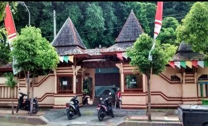 Keunikan Wisata Goa Ngerong