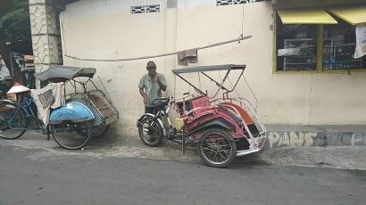 Becak yang Makin Tersingkir