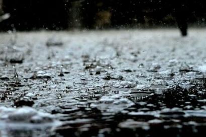 Hujan Tak Seperti Dulu Lagi