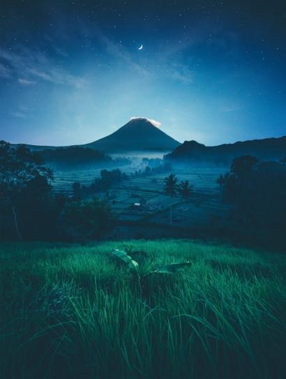 Puisi | Bintang dan Rembulan di Langit yang Lengang