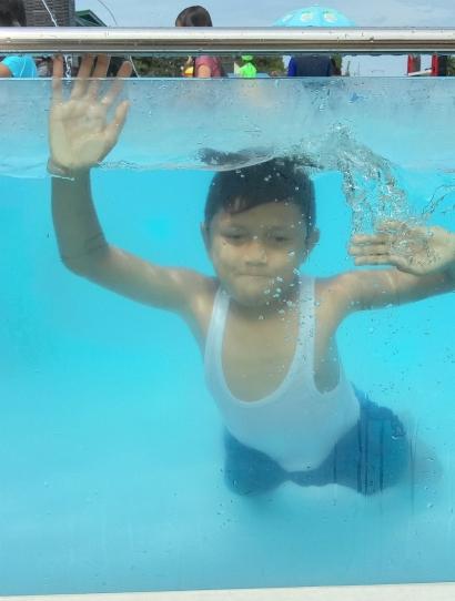 Belajar Menulis Ibarat Belajar Berenang