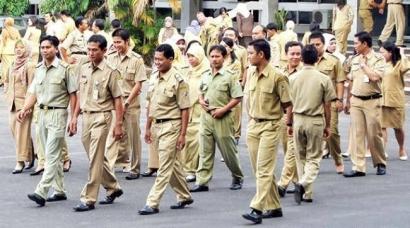 PNS Harap Bersiap! Jokowi Sedang Kaji Pemotongan Gaji 13 dan THR PNS Akibat Corona