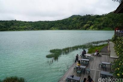 Puisi | Danau dan Kehidupan Ikan